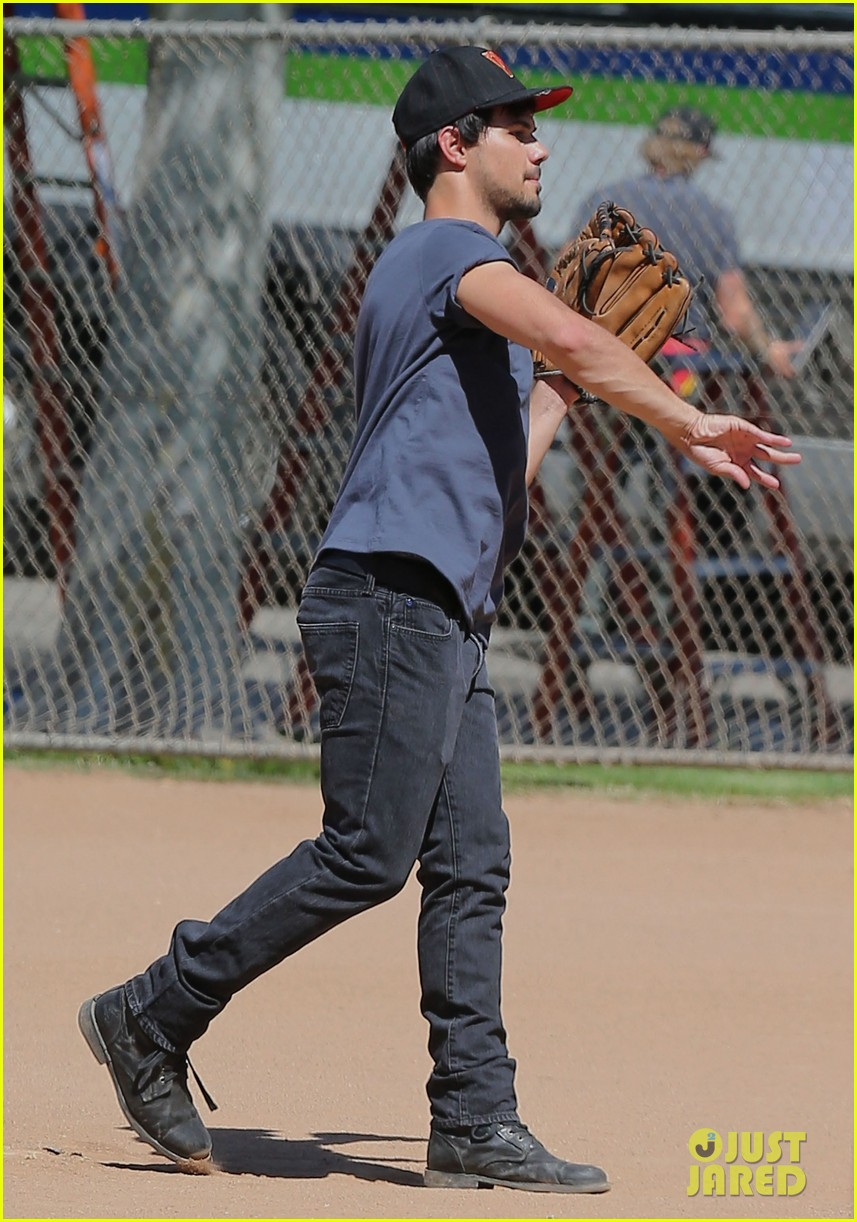 taylor lautner buff arms run the tide baseball pitch 13