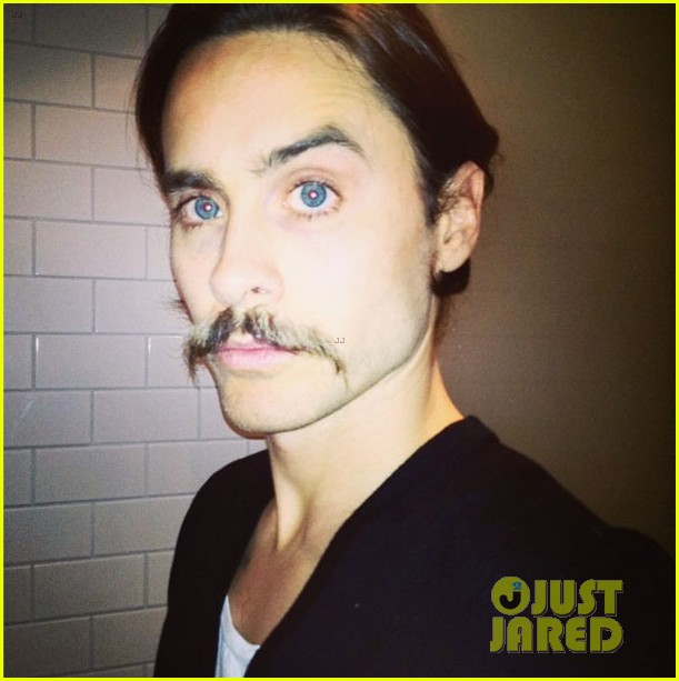 jared leto didnt shave his beard into a pornstache 03