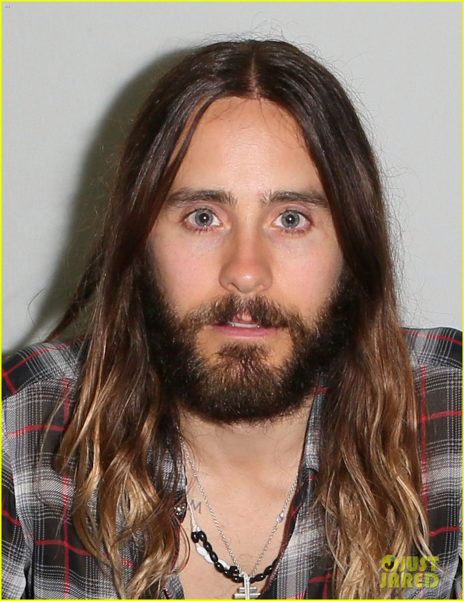 jared leto didnt shave his beard into a pornstache 053138354
