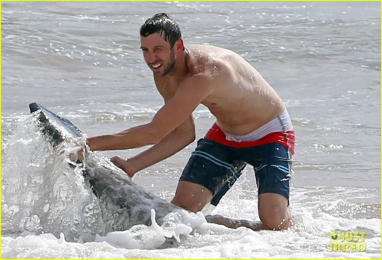 zachary levi shirtless hawaii beach vacation 103134951