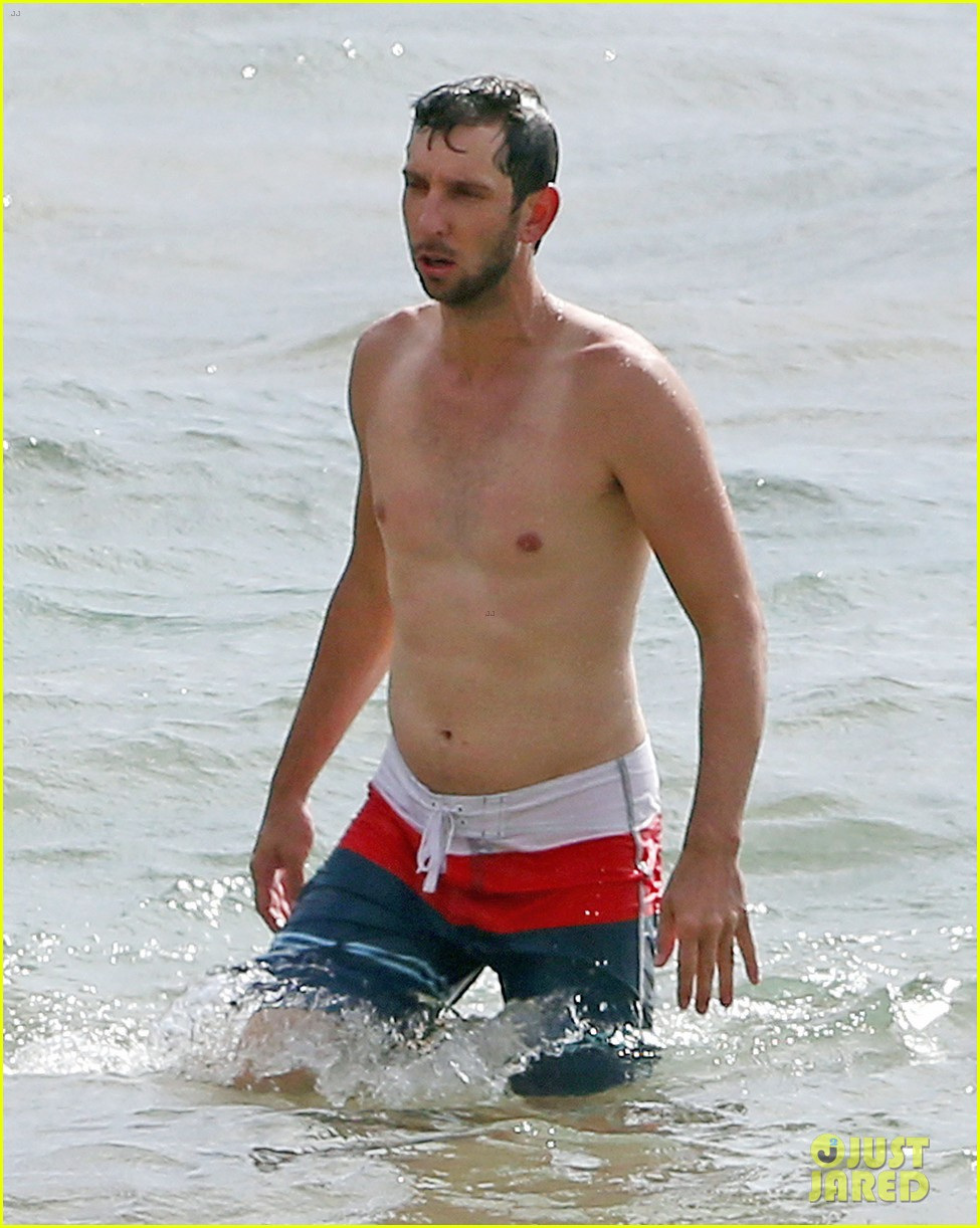 zachary levi shirtless hawaii beach vacation 163134957