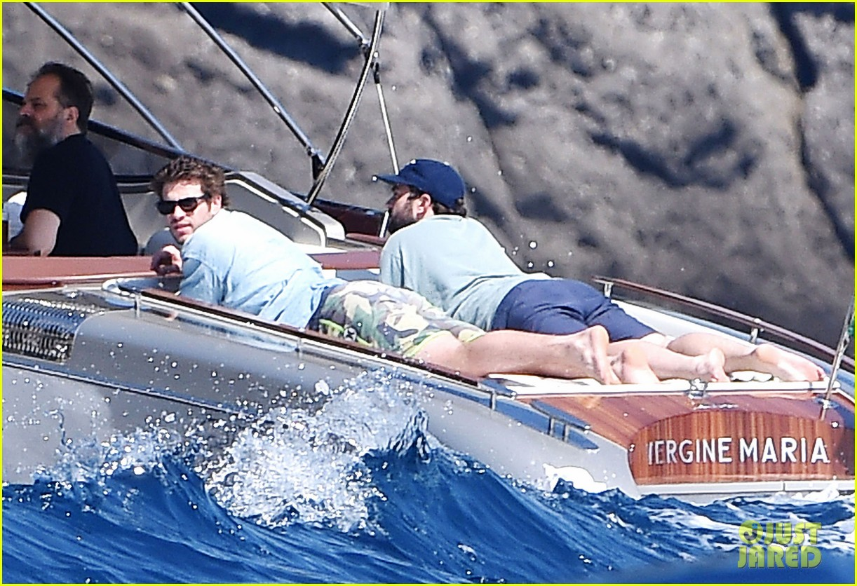 liam hemsworth takes a vacation in portofino 08