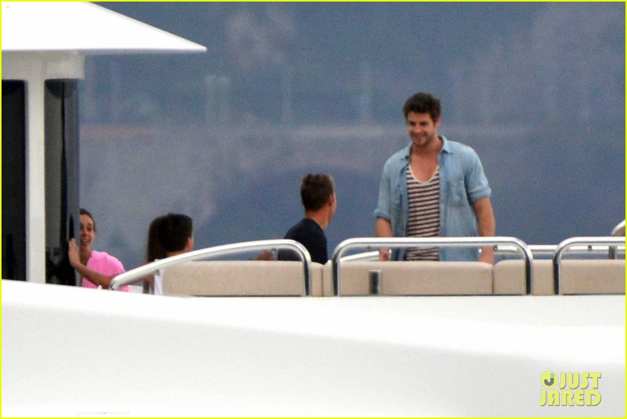 liam hemsworth takes a vacation in portofino 27