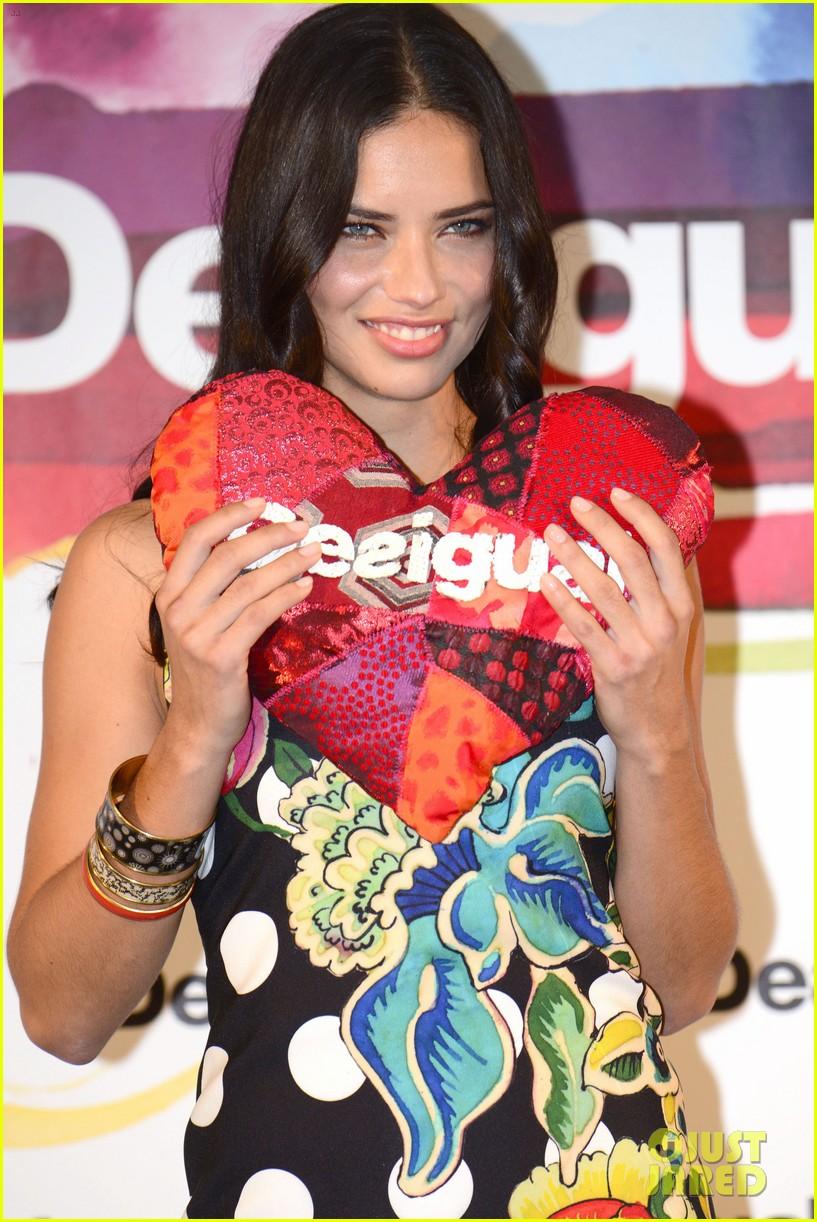 adriana lima toni garrn are beautiful barcelona babes 22