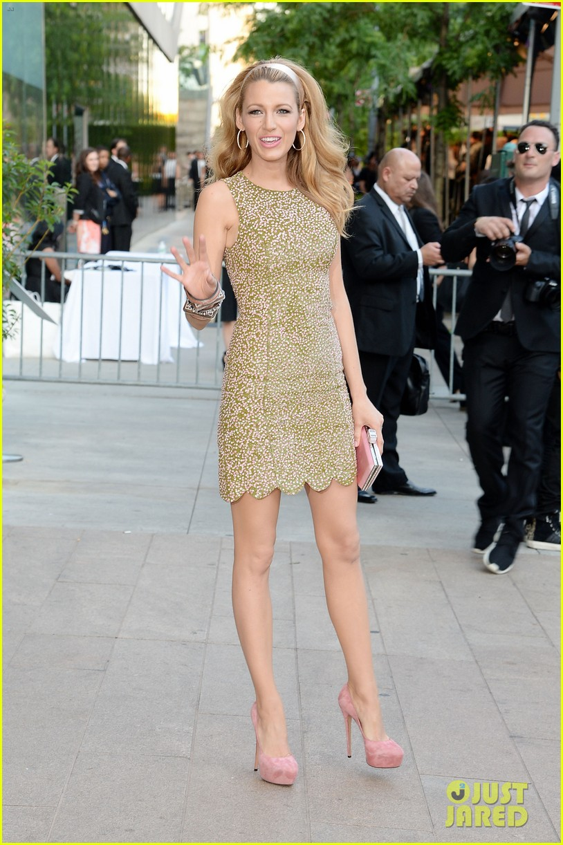 blake lively brings fashion a game to cfda awards 06