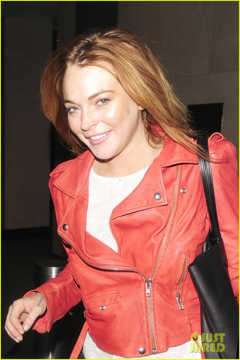 lindsay lohan is looking happier more refreshed than ever 023147011