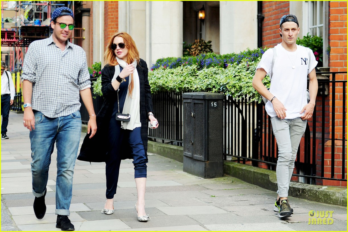lindsay lohan margot robbie red heads at chiltern firehouse 113133620
