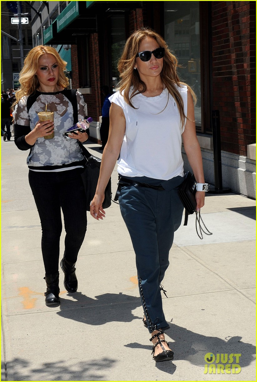 jennifer lopez marc anthony divorce finally finalized 08