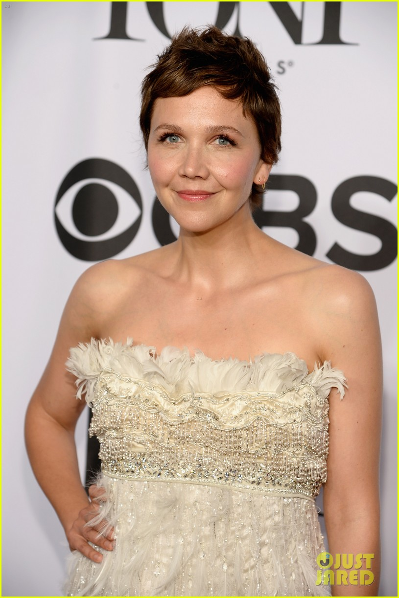maggie gyllenhaal tony awards 2014 red carpet 023131166