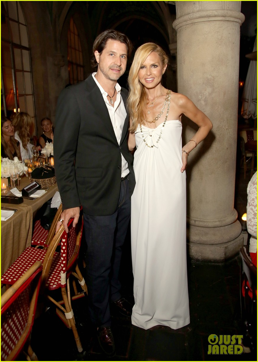 tobey maguire supports wife jennifer meyer zoe report dinner 013138882