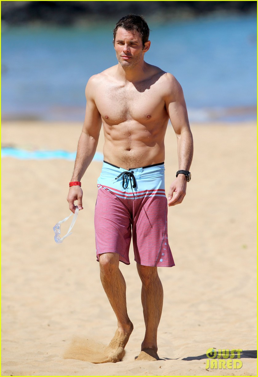 shirtless james marsden shows ripped body in hawaii 023131773