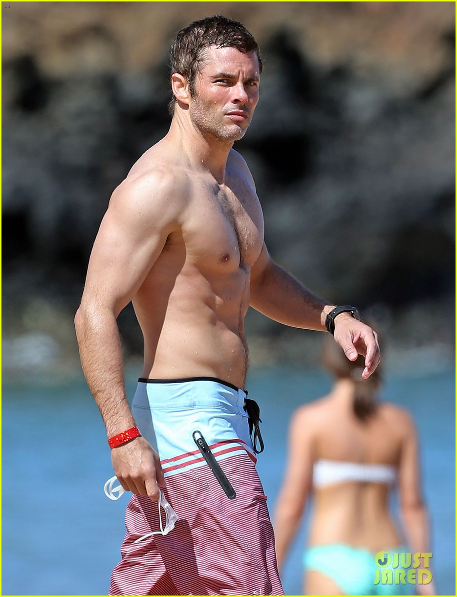 shirtless james marsden shows ripped body in hawaii 06