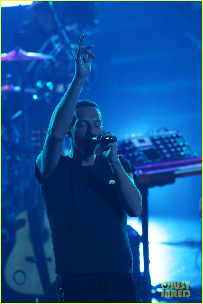 chris martin mtv vmas japan 053136212