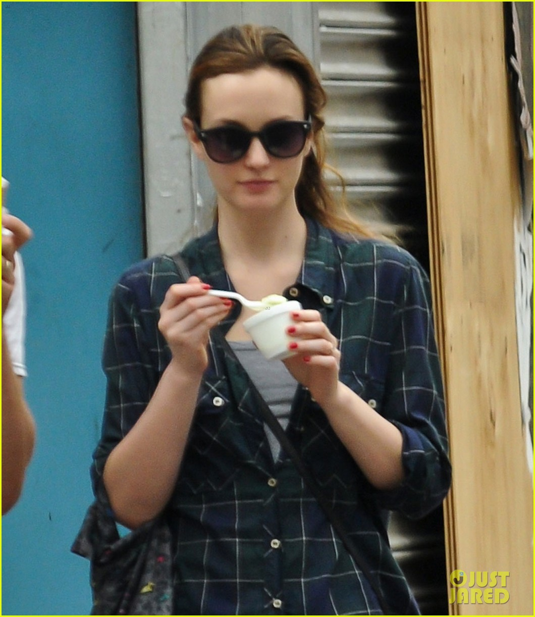 leighton meester adam brody ice cream date 05