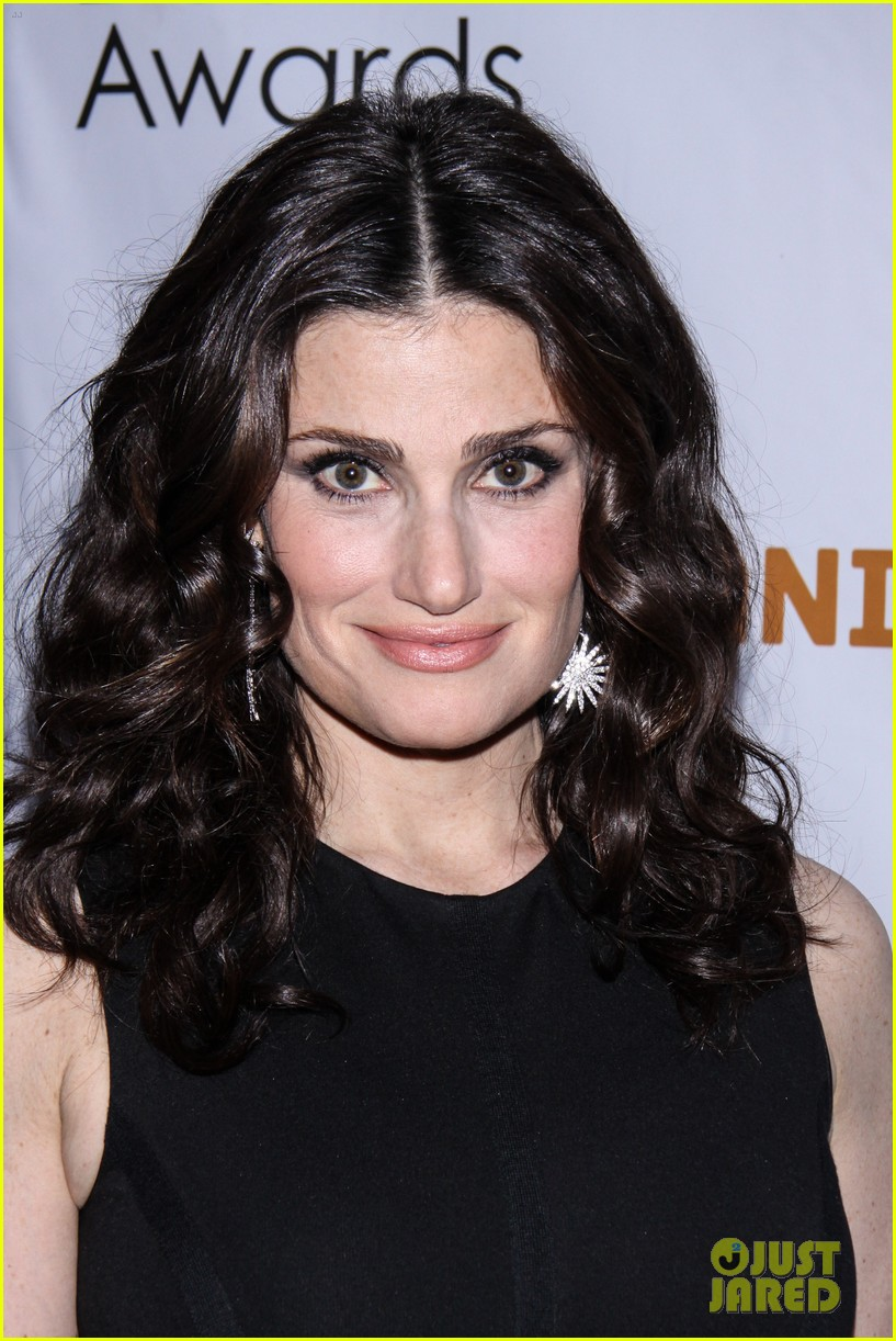 idina menzel sutton foster broadway ladies at drama desk awards 023126229