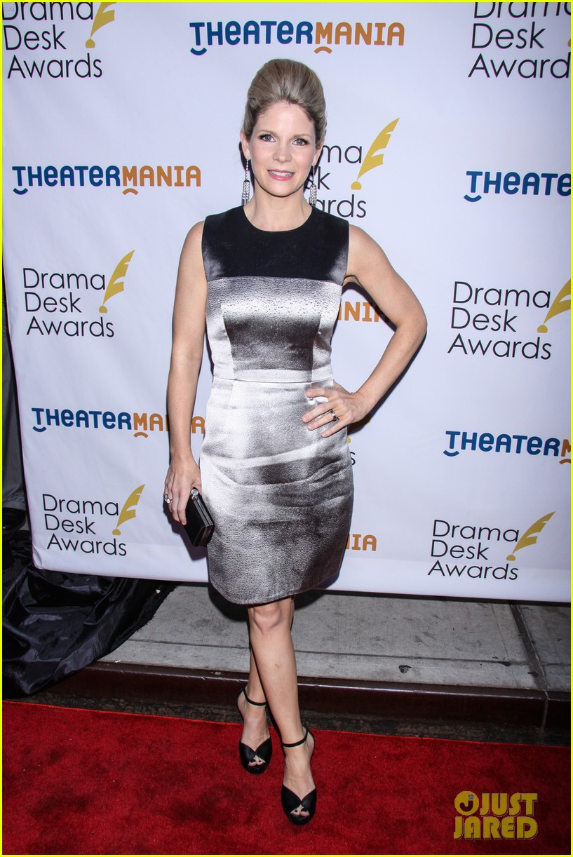 idina menzel sutton foster broadway ladies at drama desk awards 06