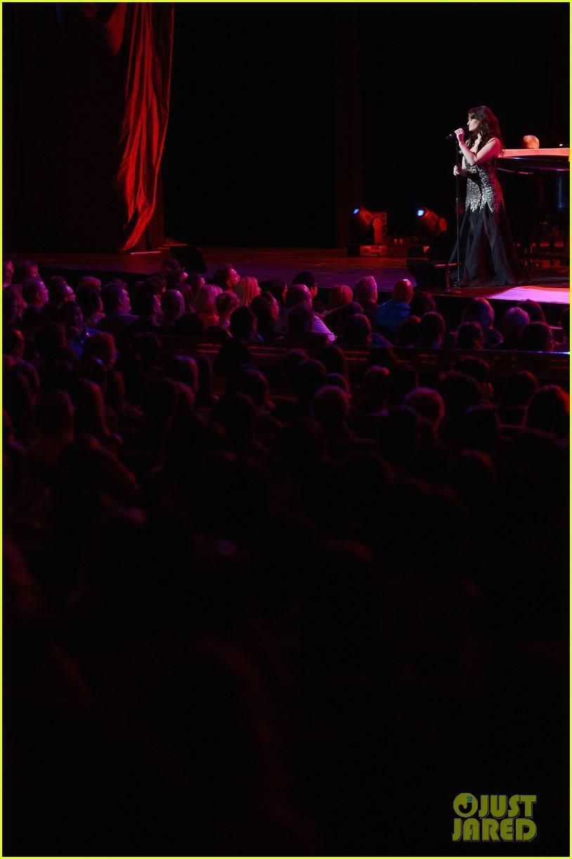 idina menzel radio city concert 15