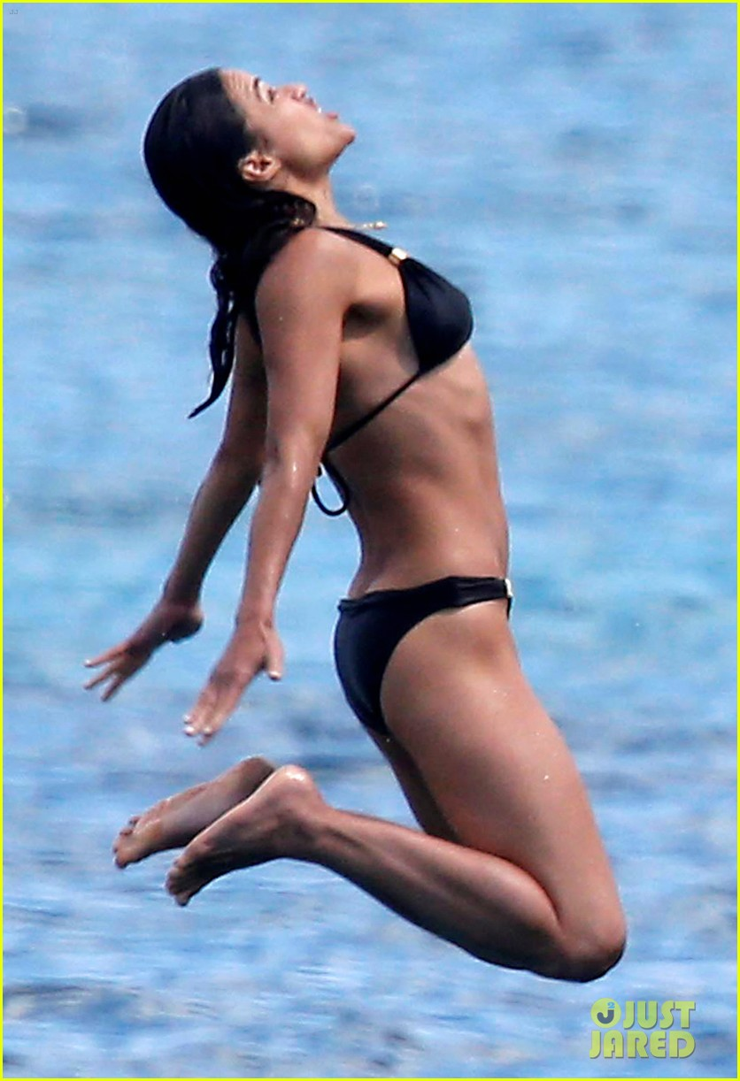 michelle rodriguez soaks up sun in bikini 06