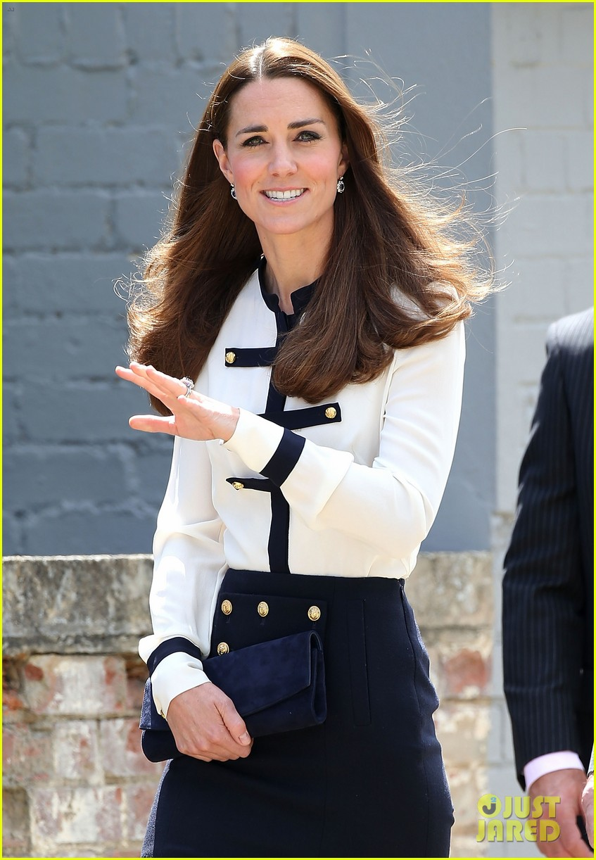 kate middleton steps out solo for bletchley park spy school visit 043137929