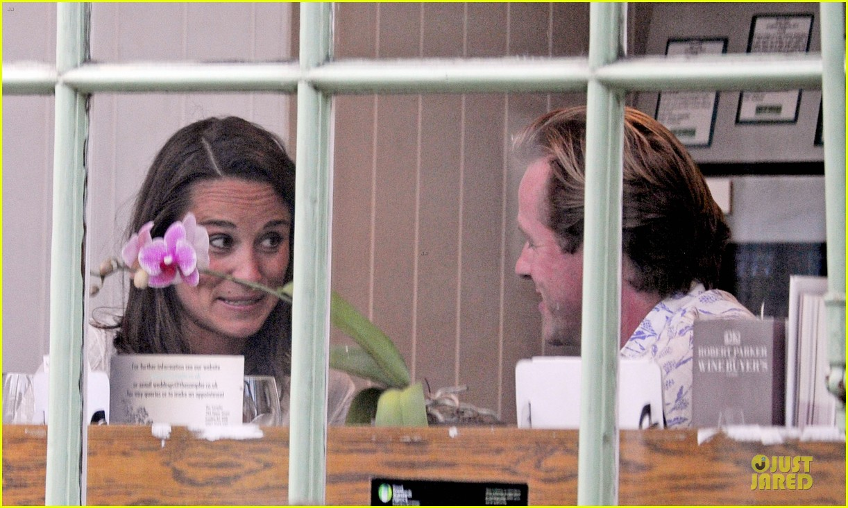 pippa middleton grabs drinks with tom kingston 21