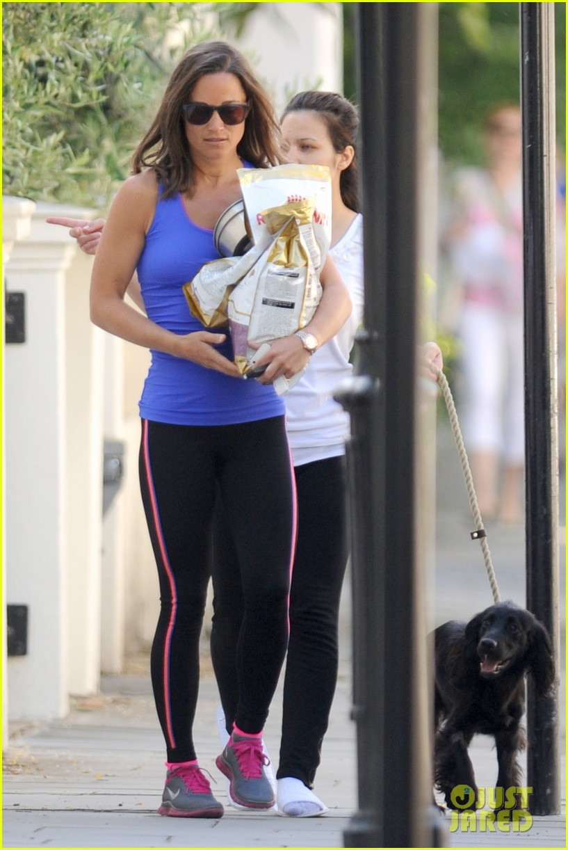 pippa middleton has a royal dog day afternoon with lupo 043133399
