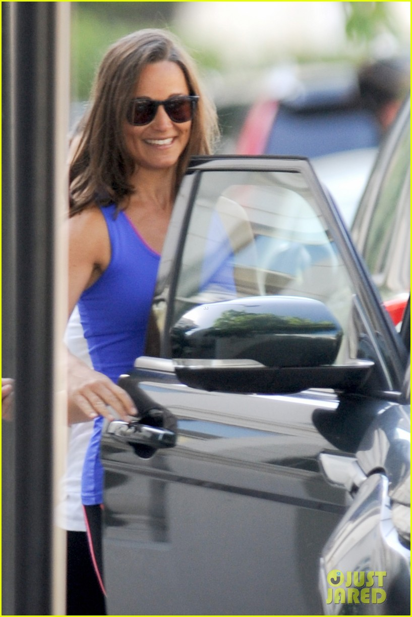pippa middleton has a royal dog day afternoon with lupo 15