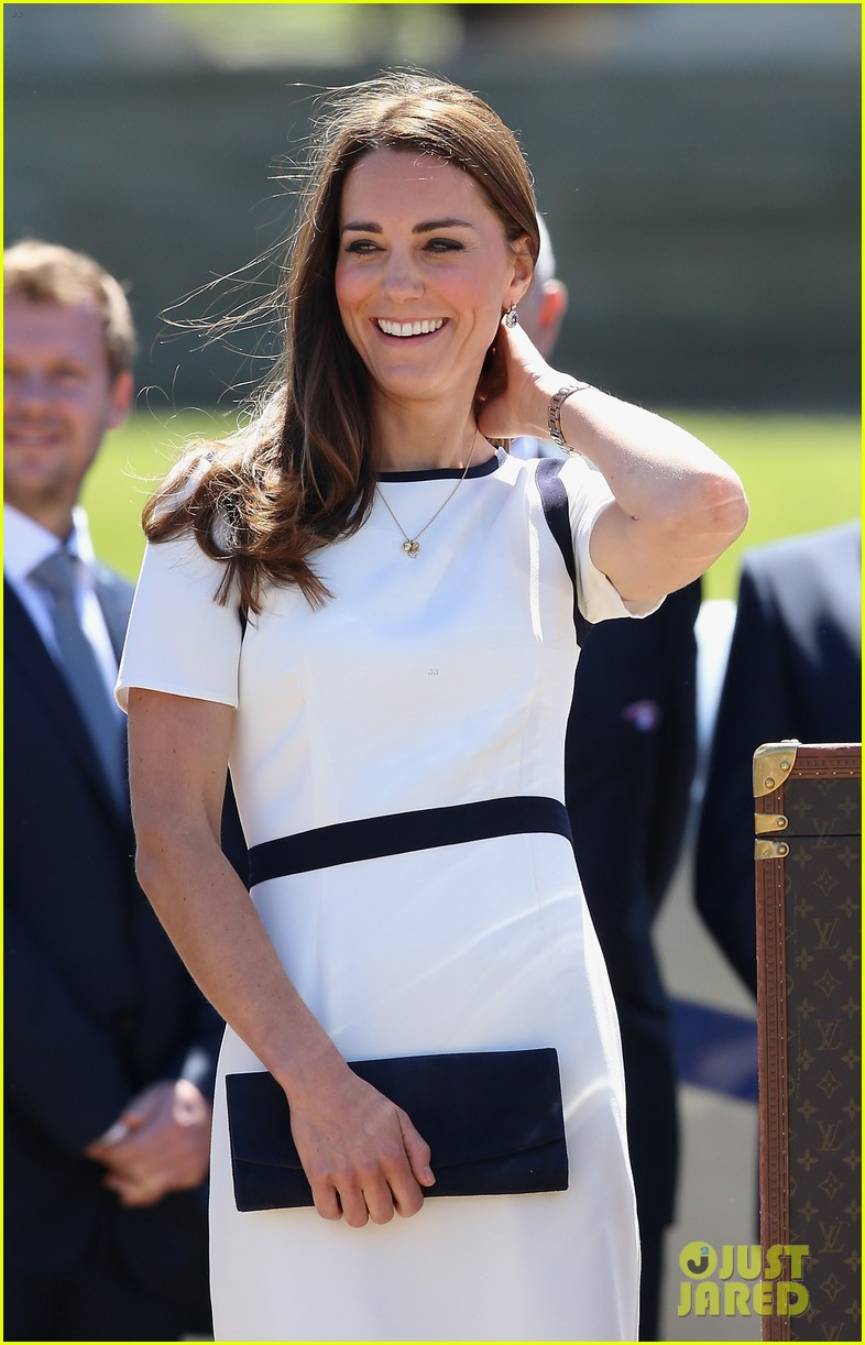 kate middleton never fails to impress see latest outfit here 06