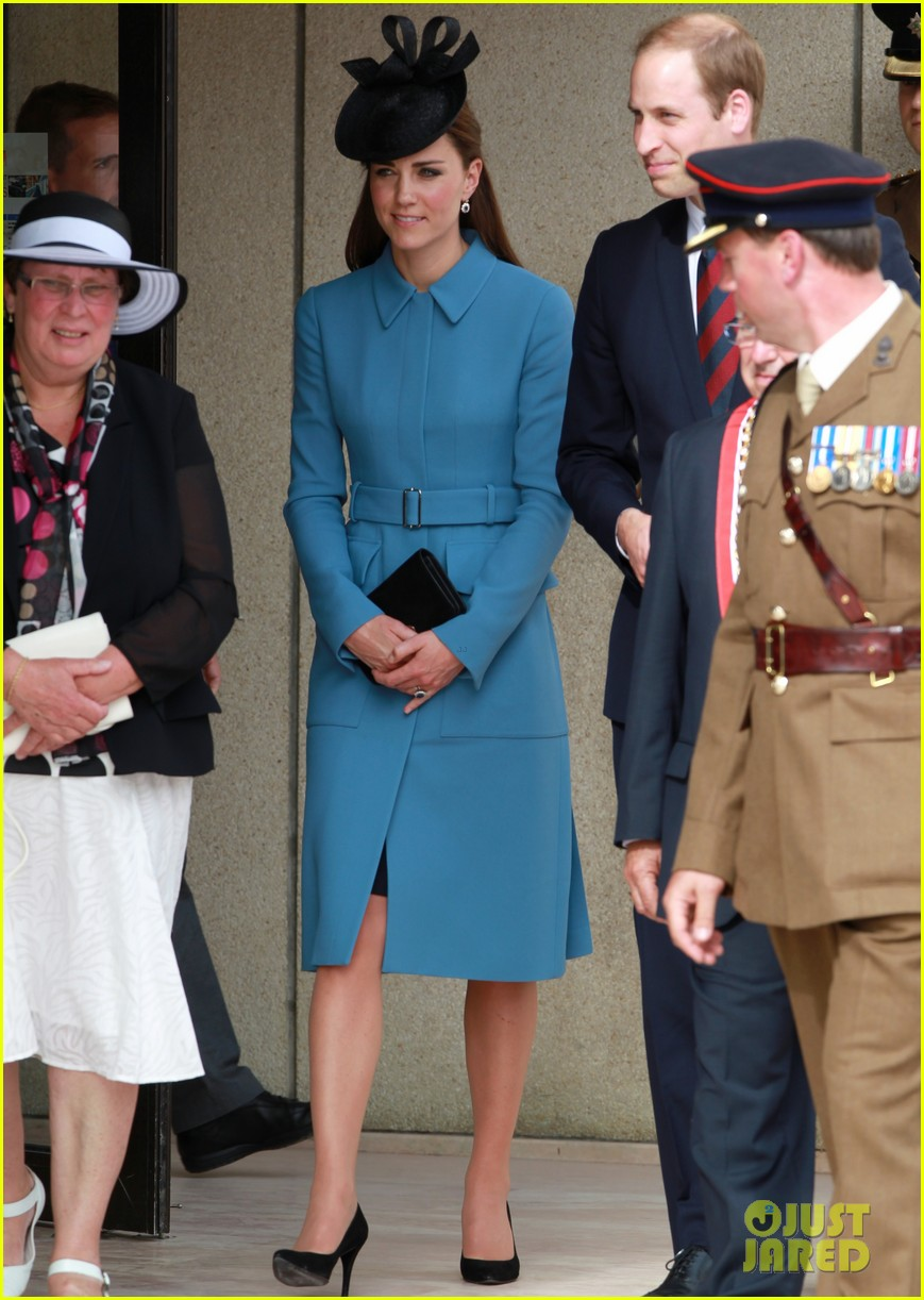 Kate Middleton & Prince William Pay Respects at D-Day 70th ...