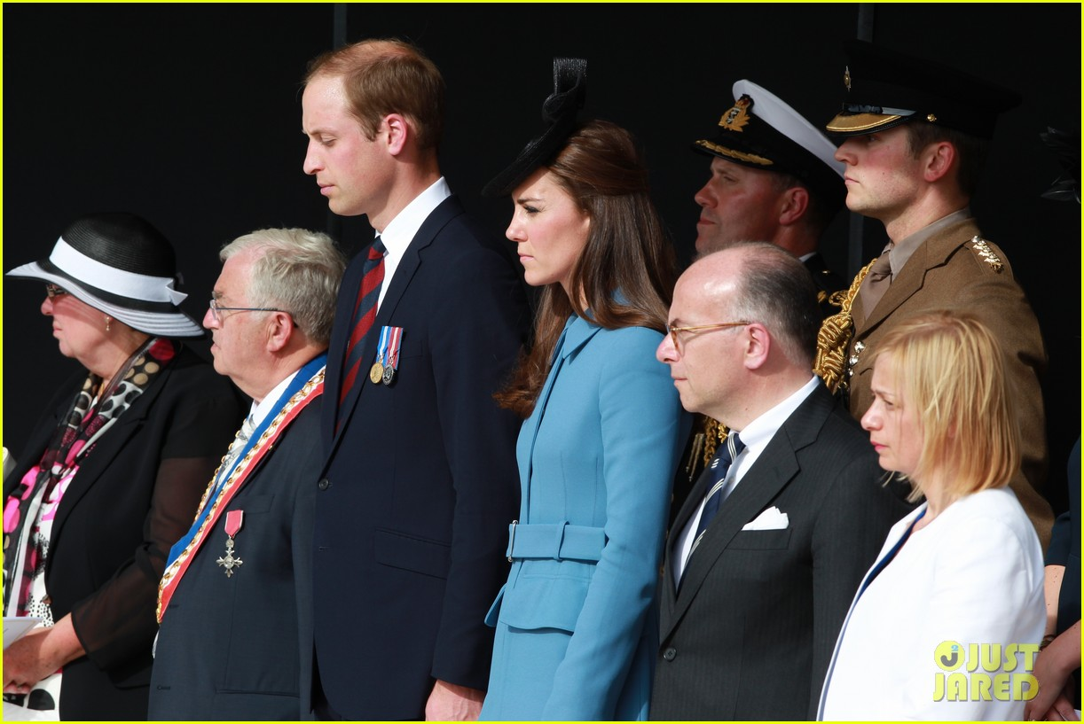 kate middleton prince william pay respects at d day 70th anniversary 05