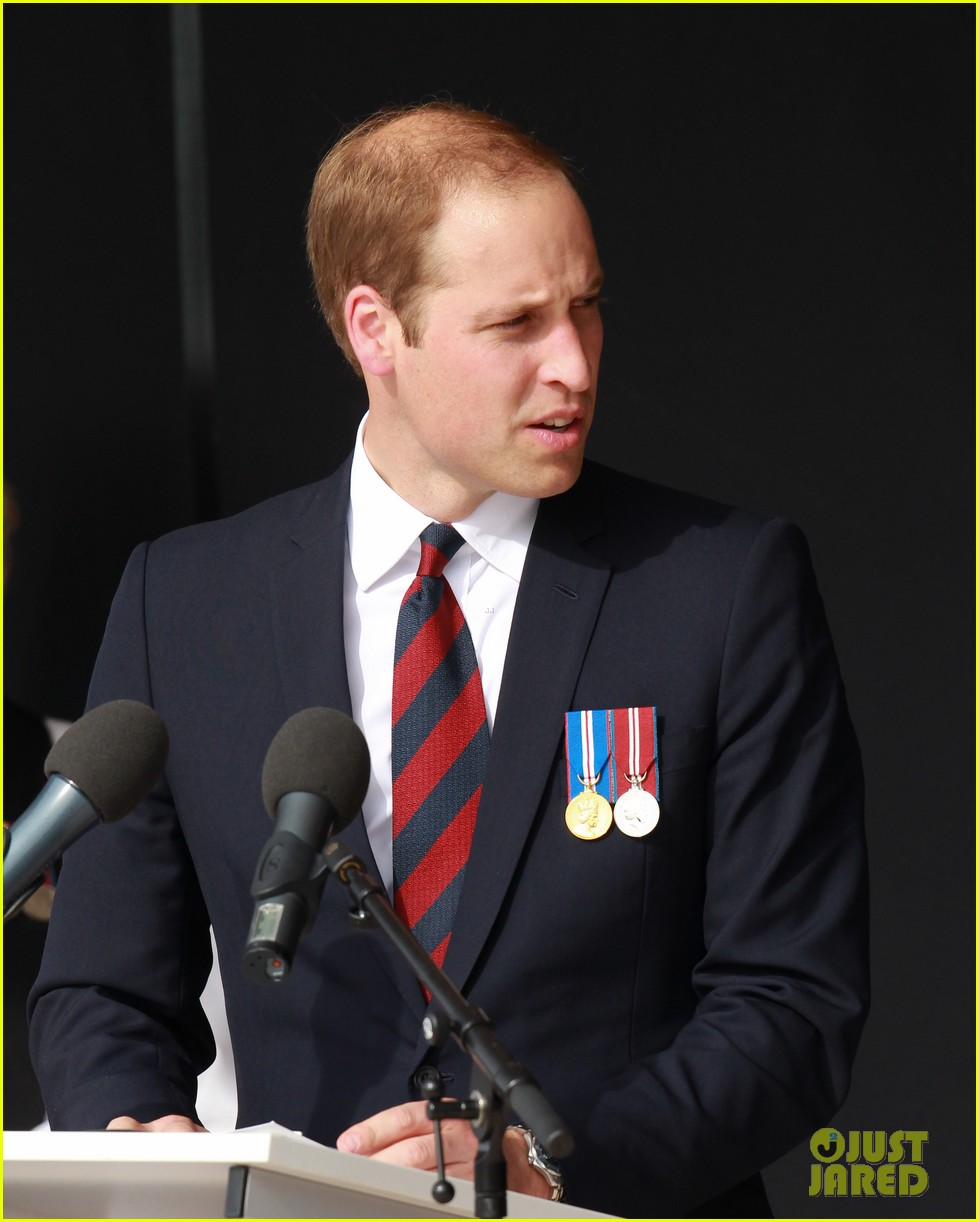 kate middleton prince william pay respects at d day 70th anniversary 23