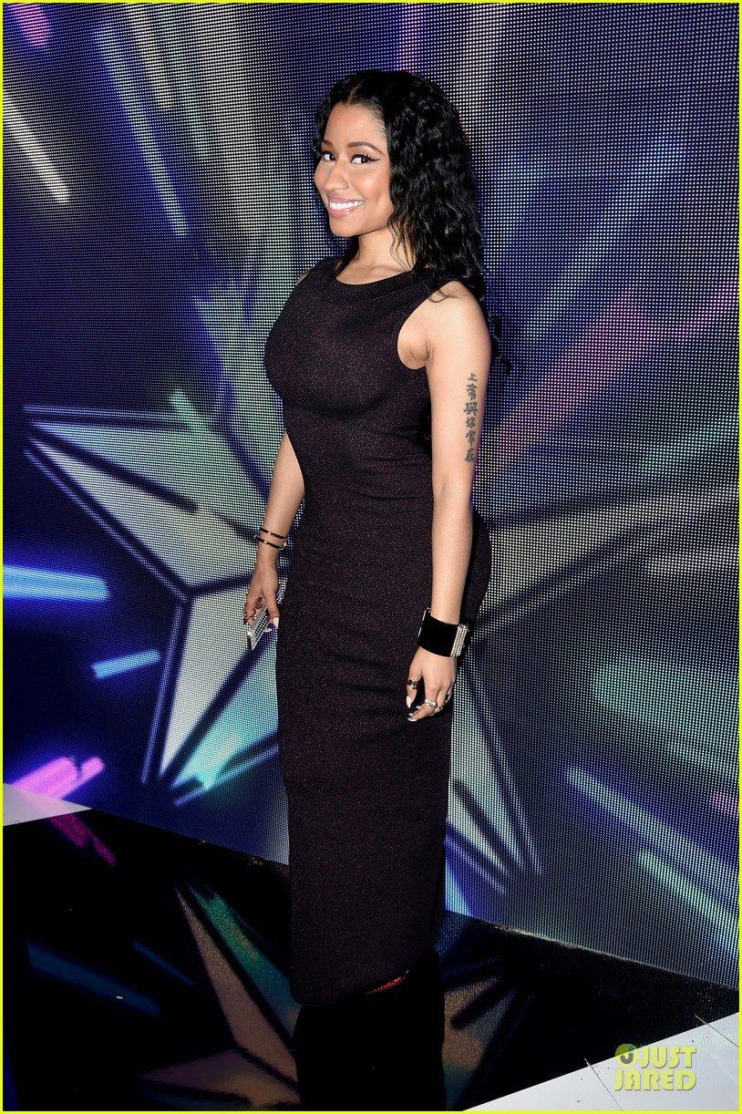 nicki minaj changes to accept female hip hop artist 013146570