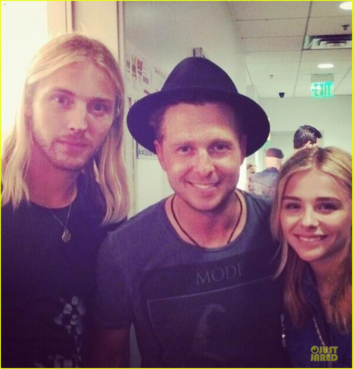 chloe moretz james to onerepublic at hollywood bowl 05