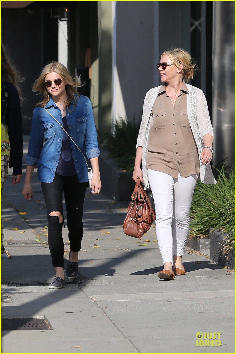 chloe moretz james to onerepublic at hollywood bowl 14