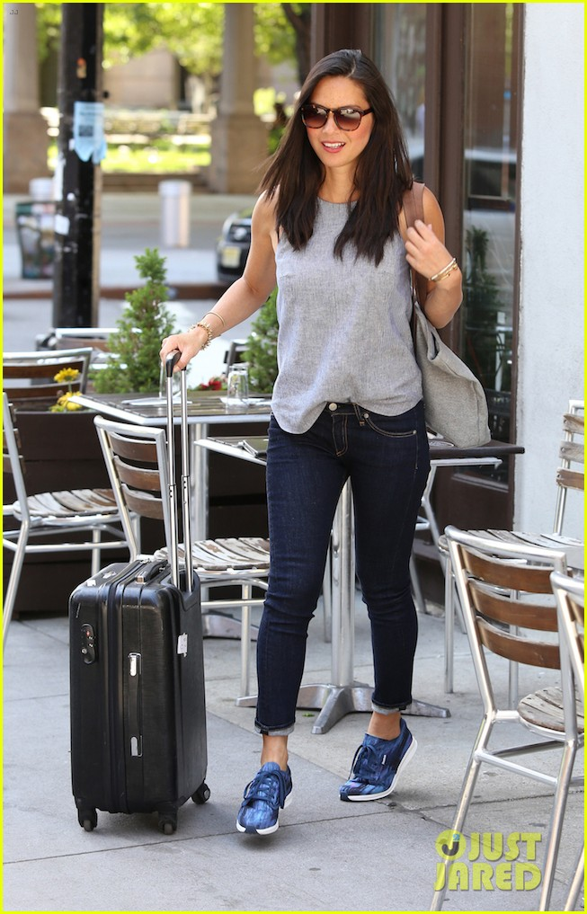 olivia munn answers 73 rapid fire questions 04