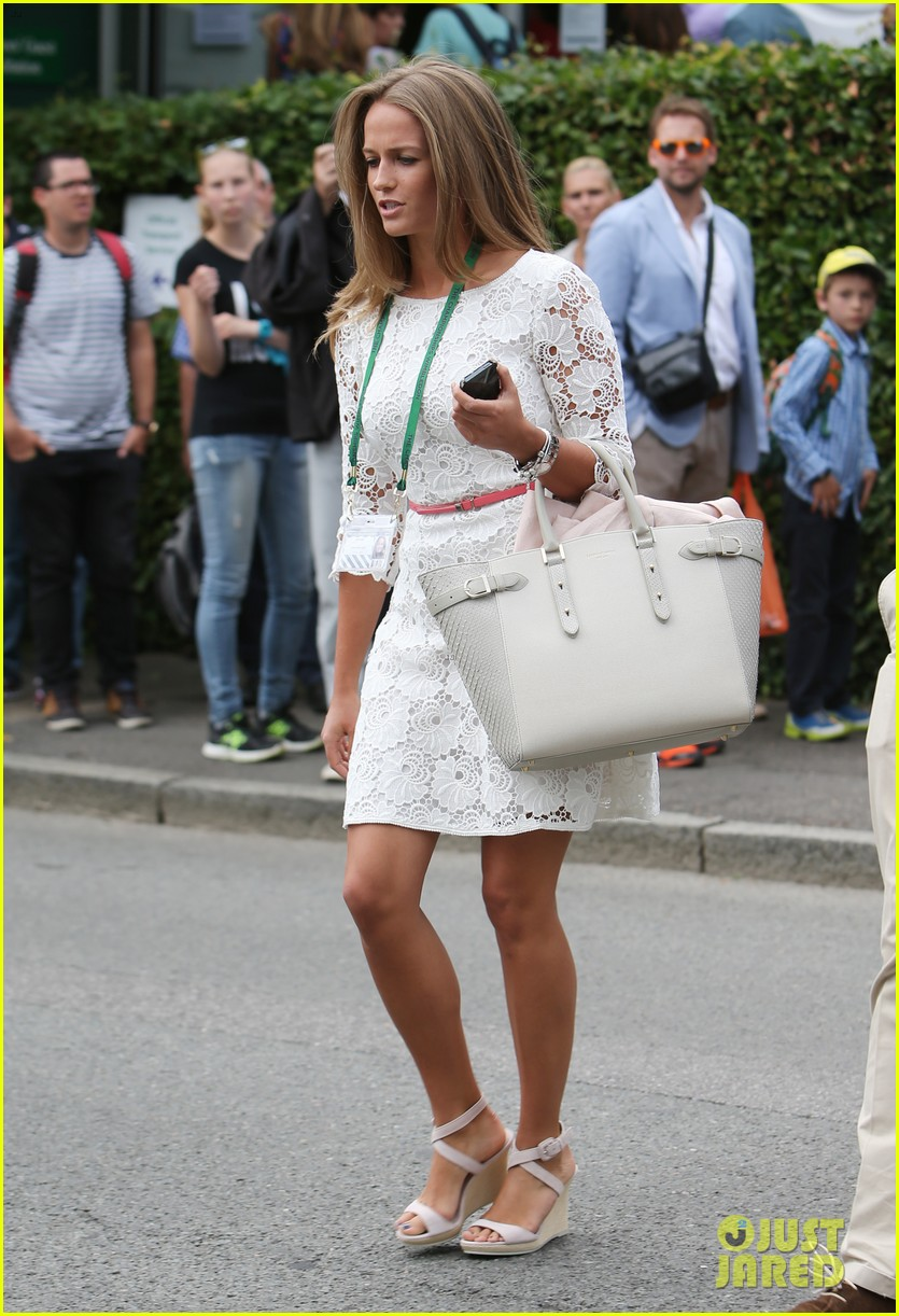 andy murray girlfriend kim sears supports him at wimbledon 22