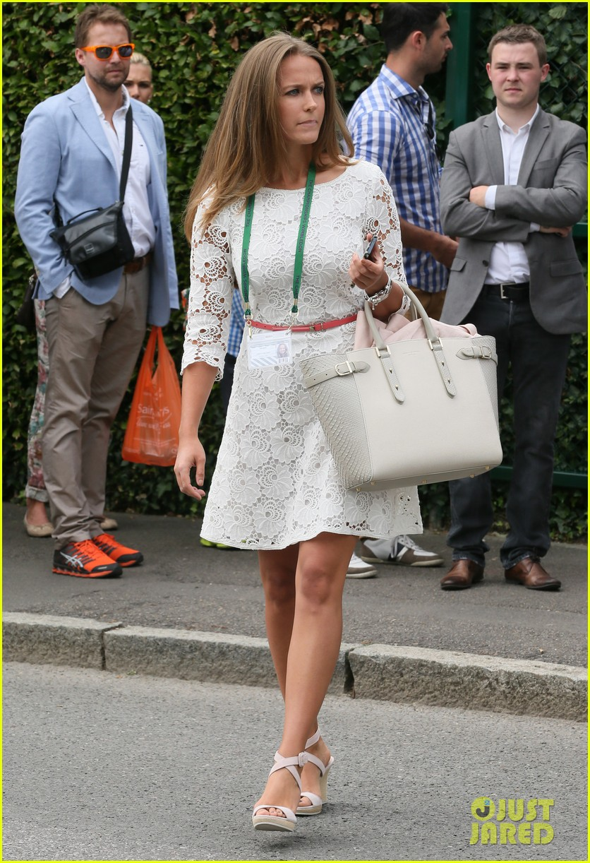 andy murray girlfriend kim sears supports him at wimbledon 24