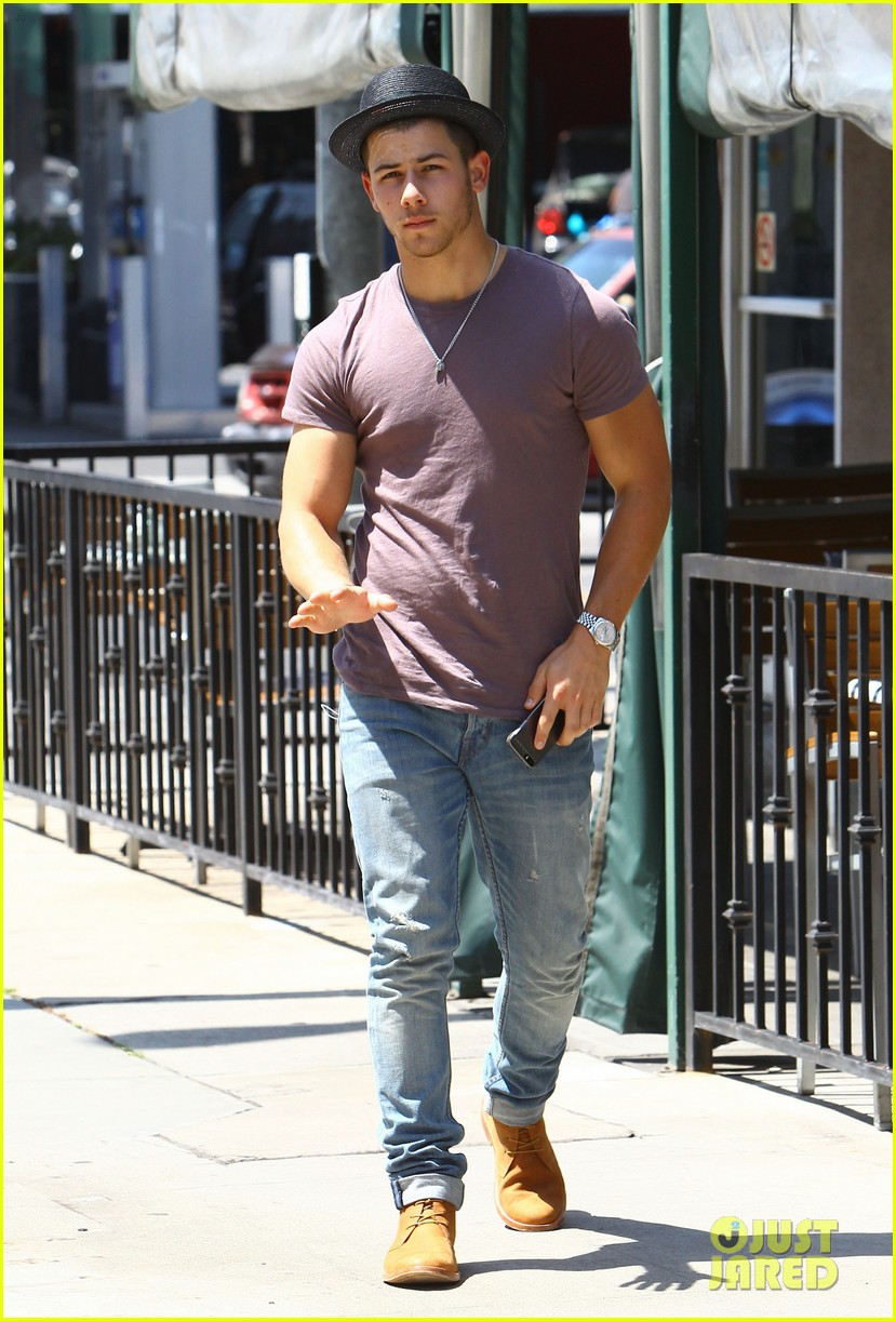 nick jonas joe jonas blanda hugos lunch 11
