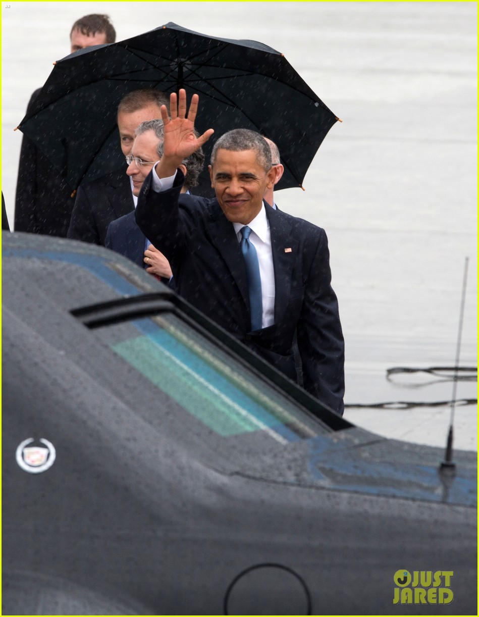 barack obama arrives in brrussels amid calls for impeachment 02
