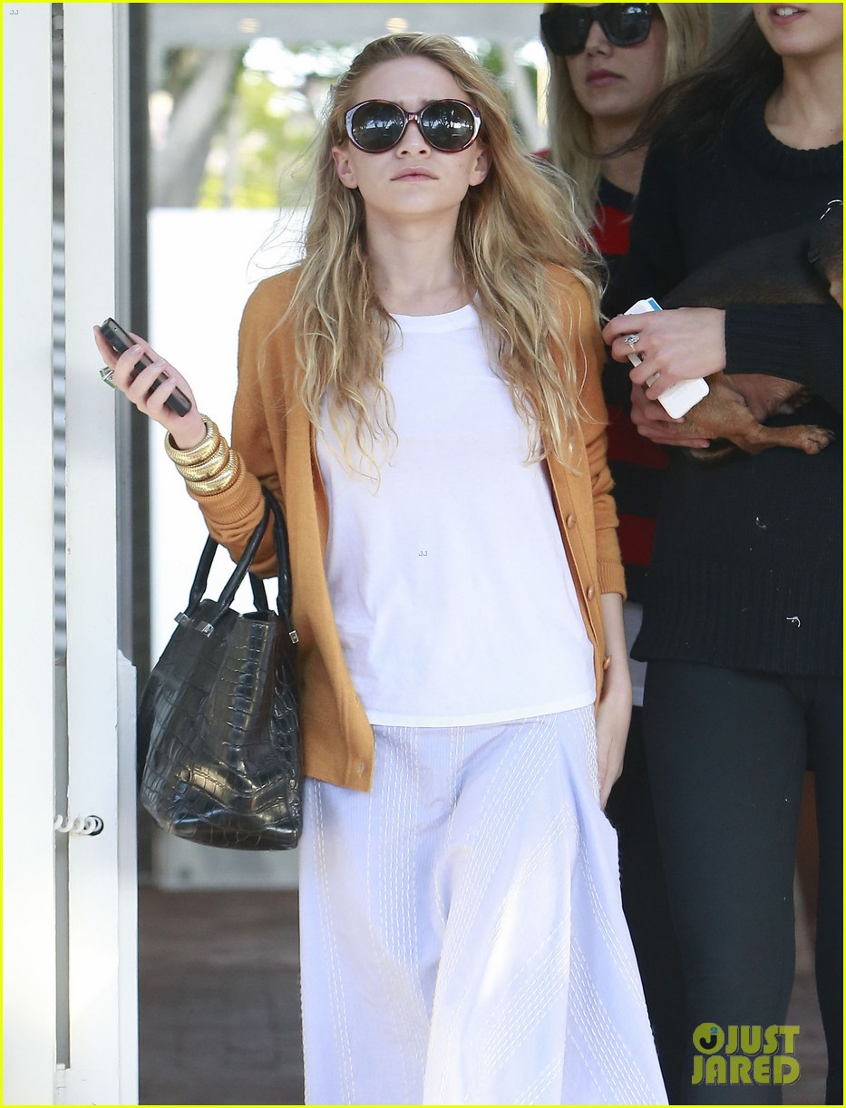mary kate ashley olsen dedicated their cfda award 103129541