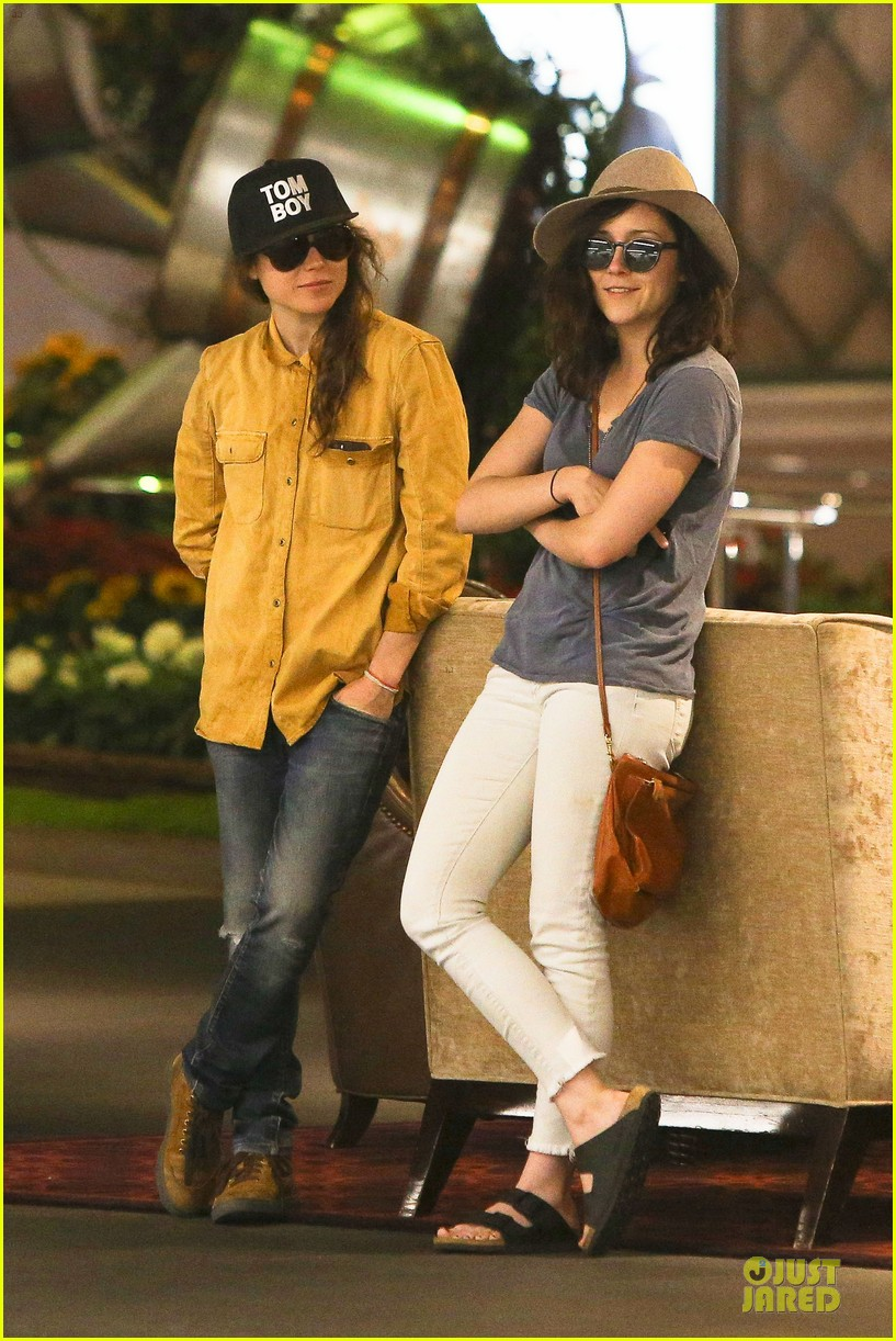 ellen page sunday shopping with close gal pal 09