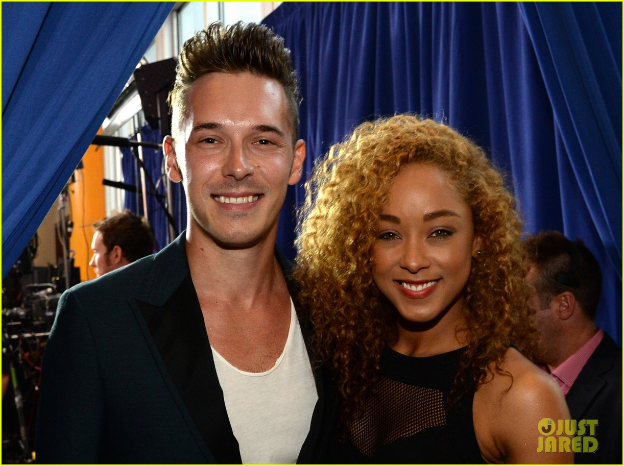 sam palladio chaley rose cmt music awards 2014 03
