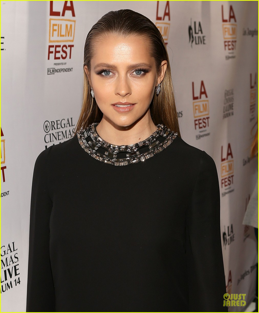 teresa palmer so slick at cut bank screening 073137045