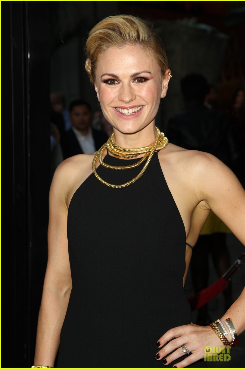 anna paquin gives stephen moyer look of love at true blood premiere 21