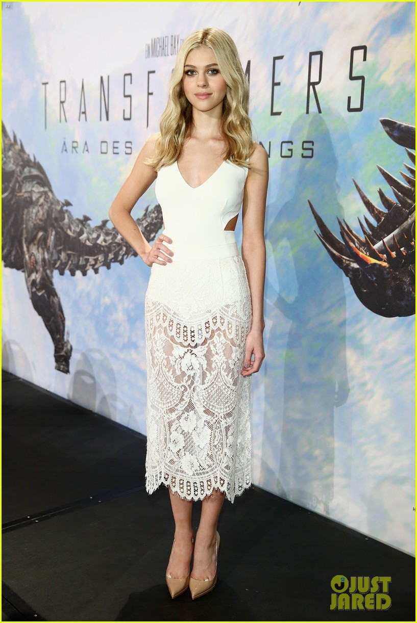 nicola peltz transformers berlin press conference 073146833