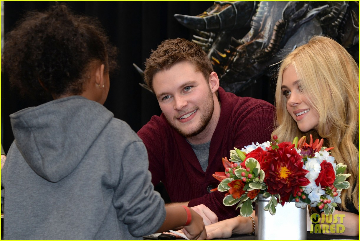 nicola peltz jack reynor tour country for transformers 133132911