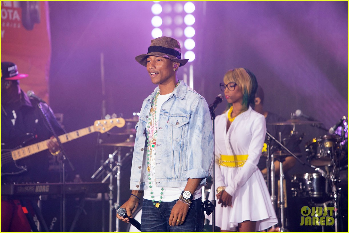 pharrell performs happy come get it bae on today show 04