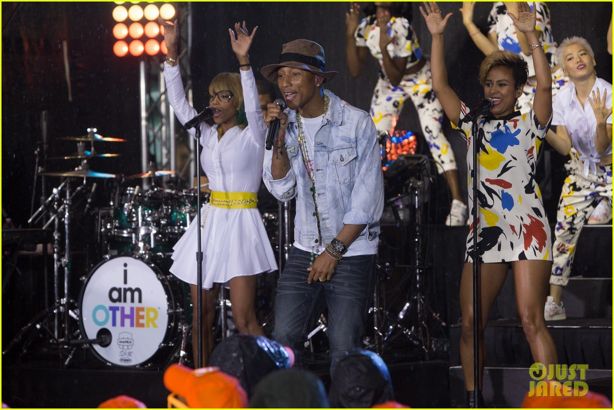 pharrell performs happy come get it bae on today show 053128827