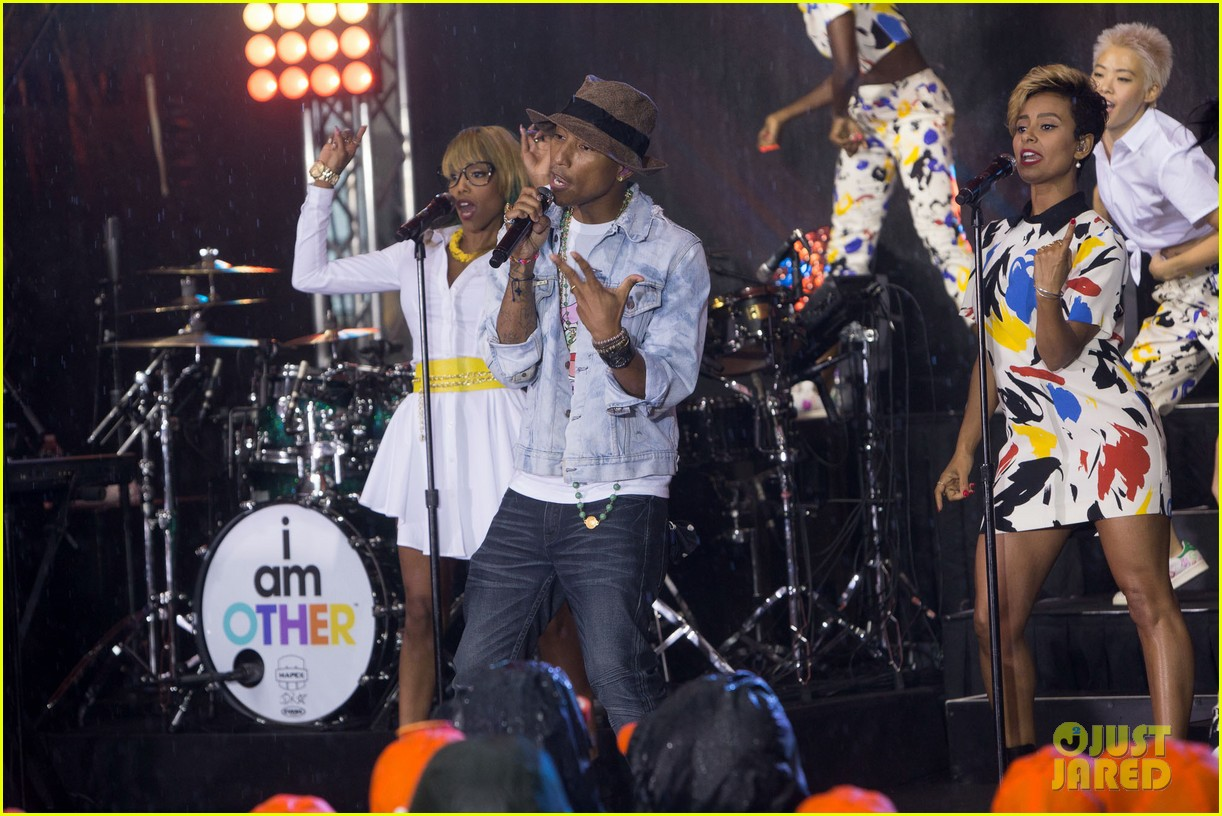 pharrell performs happy come get it bae on today show 10