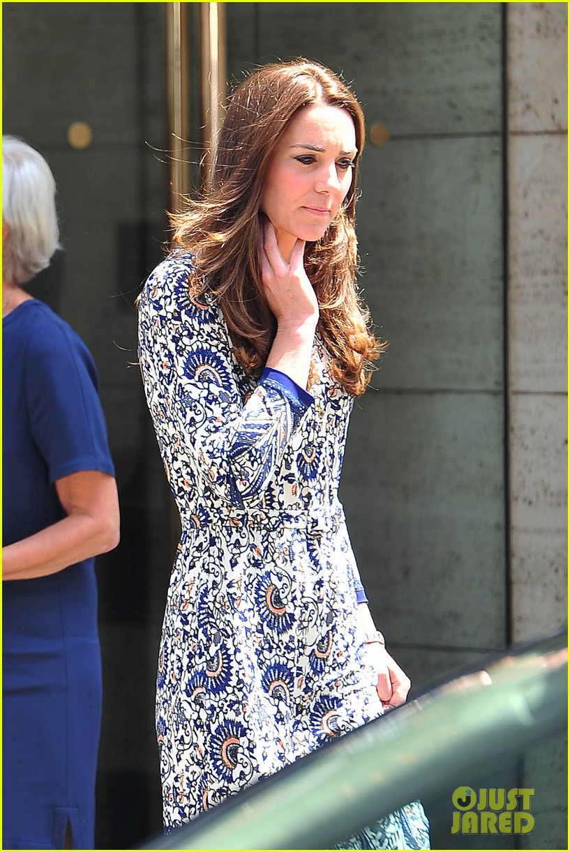 kate middleton steps out after pippa today interview 03