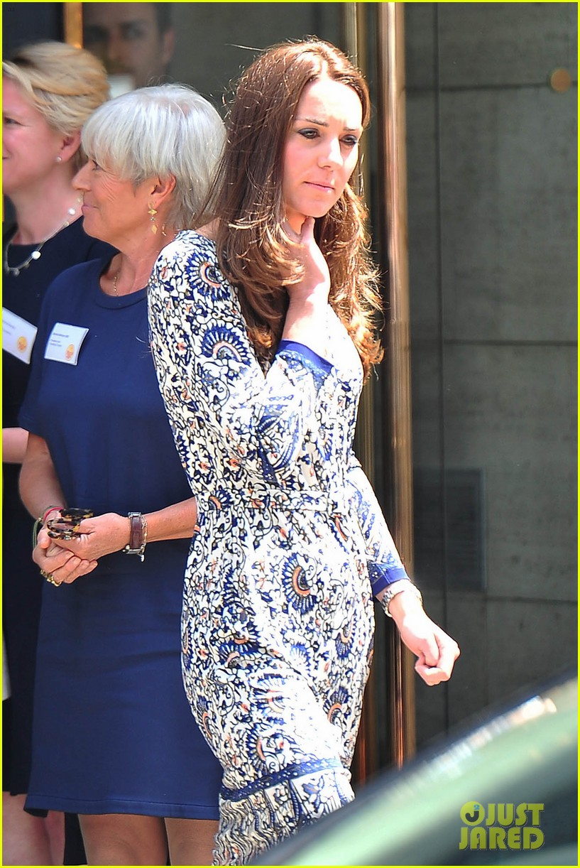 kate middleton steps out after pippa today interview 103147008